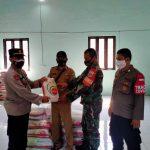 Kapolsek Tarogong Kaler Laksanakan Giat Monitoring Penyaluran Bantuan Beras