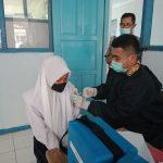 Forkopimcam Cisewu Garut Saksikan Pelaksanaan Vaksinasi Bagi Siswa SMPN 2 Cisewu
